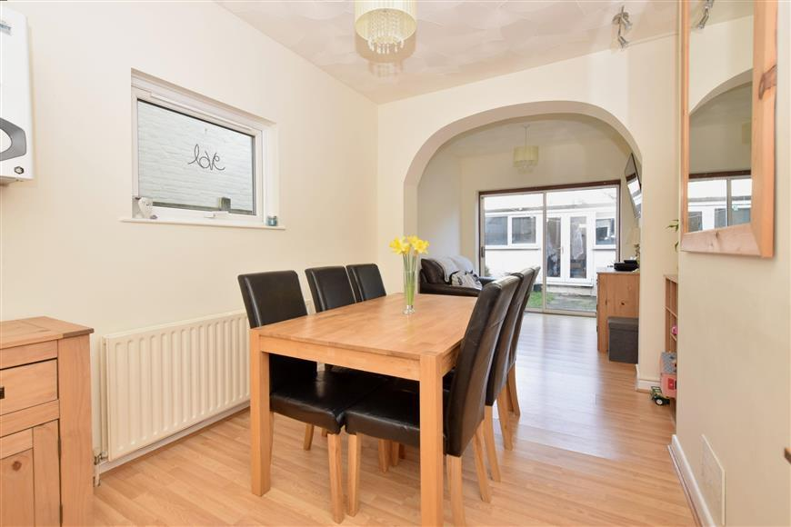 3 Bedrooms Terraced House for sale in Epworth Road, Portsmouth, Hampshire