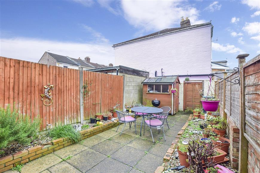 3 Bedrooms Terraced House for sale in Locksway Road, Southsea, Hampshire