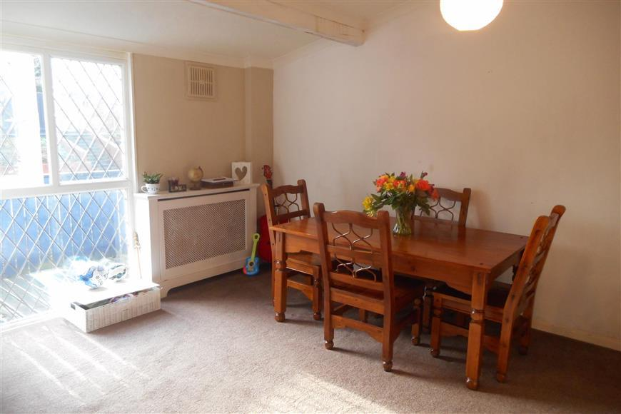 3 Bedrooms Terraced House for sale in Whitcroft, Langdon Hills, Basildon, Essex