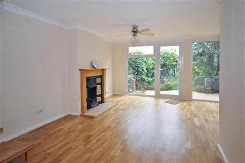 3 bedroom terraced house for sale - Southwark Path, Basildon, Essex