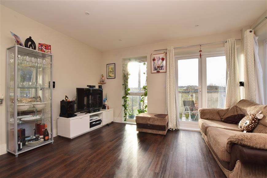 2 Bedrooms Apartment Flat for sale in The Kilns, Redhill, Surrey