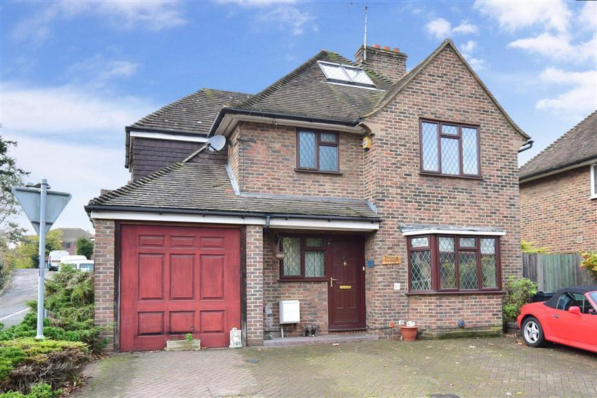 4 Bedrooms Detached House for sale in The Frenches, Redhill, Surrey