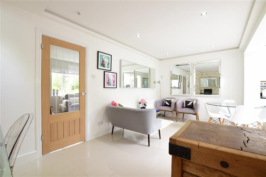 3 Bedrooms Terraced House for sale in Bridge Road, Emsworth, Hampshire