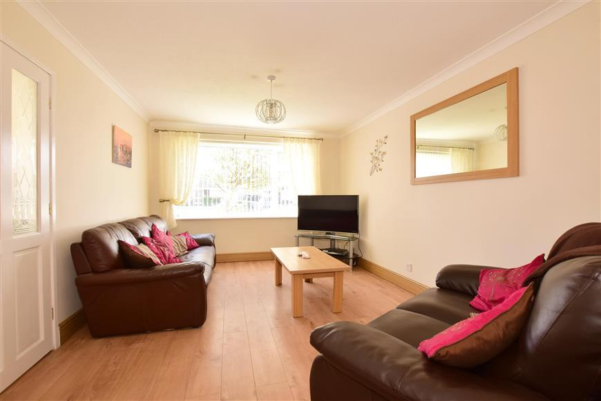 4 Bedrooms Detached House for sale in White Horses Way, Littlehampton, West Sussex