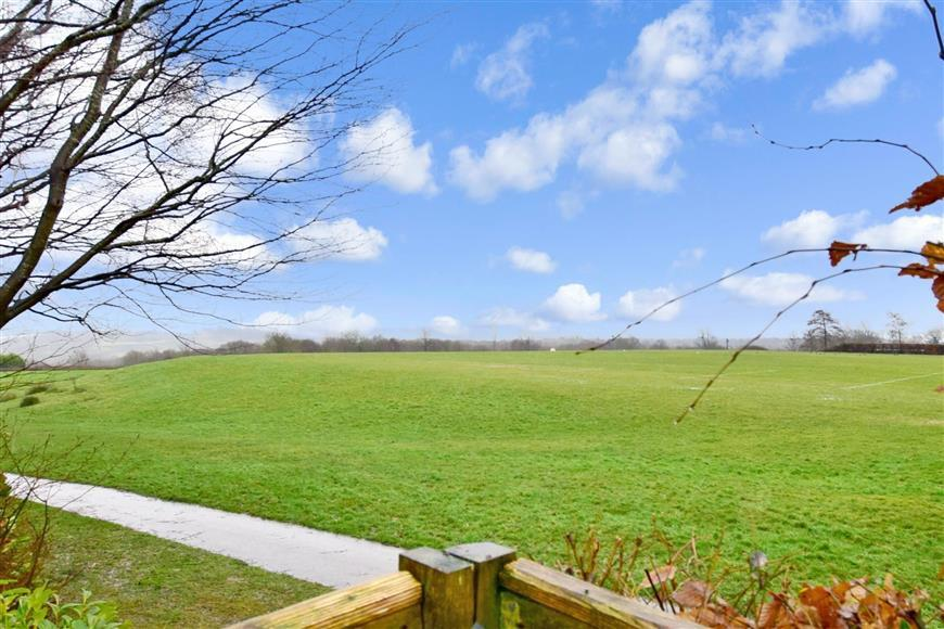 3 Bedrooms Detached Bungalow for sale in Pilmer Road, Crowborough, East Sussex