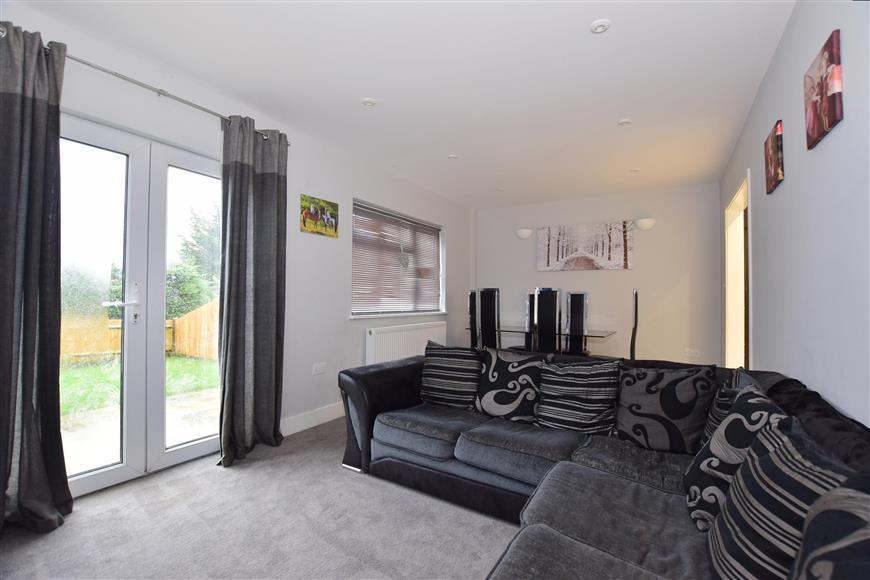 4 Bedrooms Semi Detached House for sale in Heather Walk, Crowborough, East Sussex