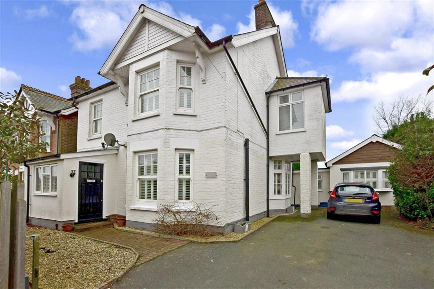 4 Bedrooms Detached House for sale in Whitehill Road, Crowborough, East Sussex