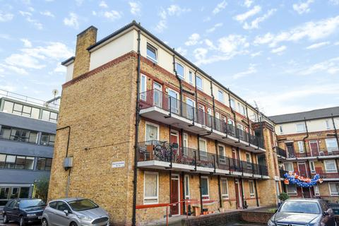 2 bedroom apartment to rent - Whites Grounds, London