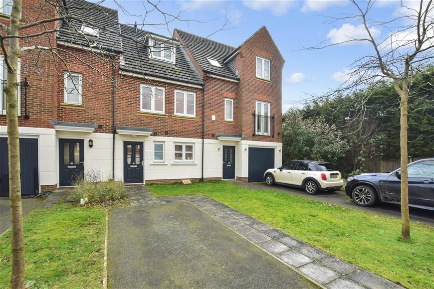 3 Bedrooms Town House for sale in Halton Road, Kenley, Surrey