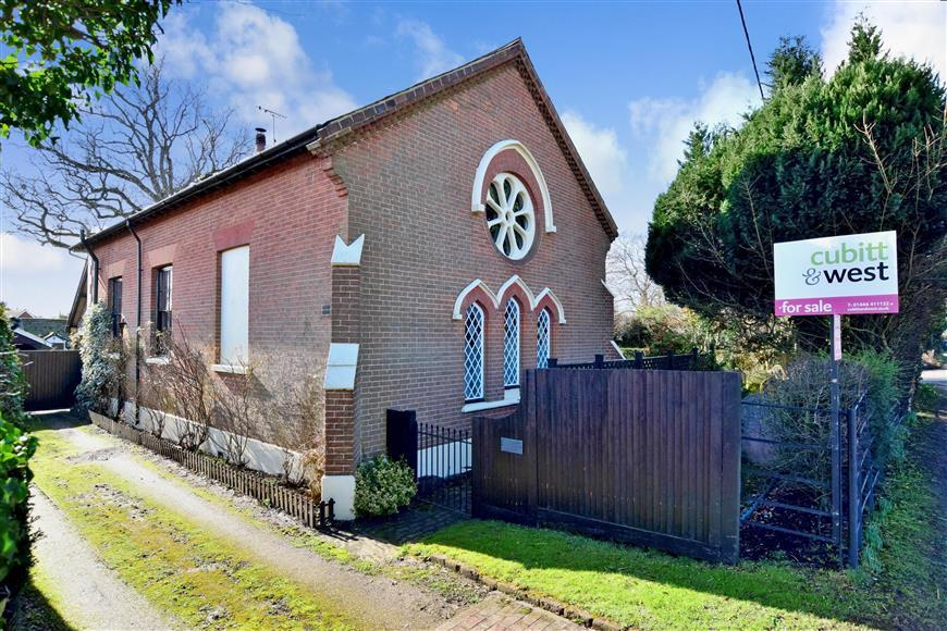 3 Bedrooms Detached House for sale in Cowfold Road, Bolney, Haywards Heath, West Sussex