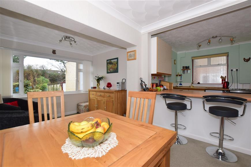 4 Bedrooms Semi Detached House for sale in Manor Avenue, Hassocks, West Sussex