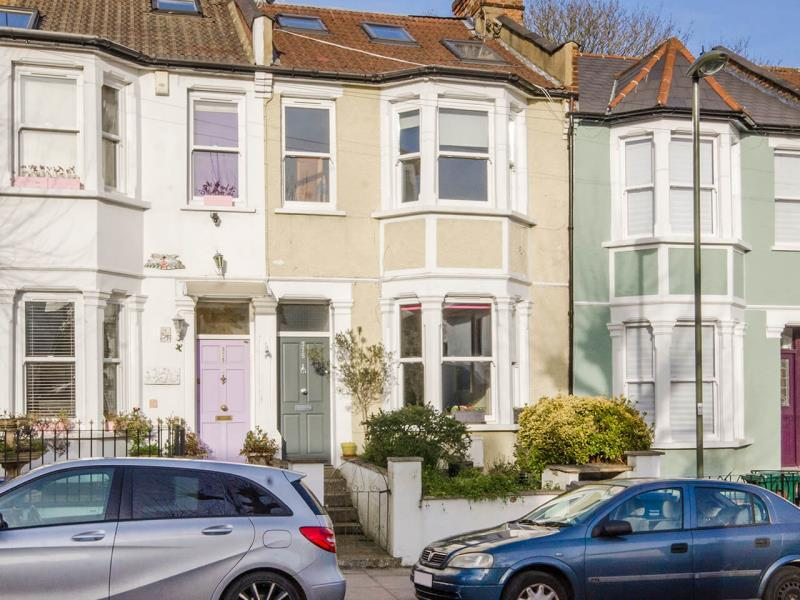3 Bedrooms Terraced House for sale in Long Lane, N2
