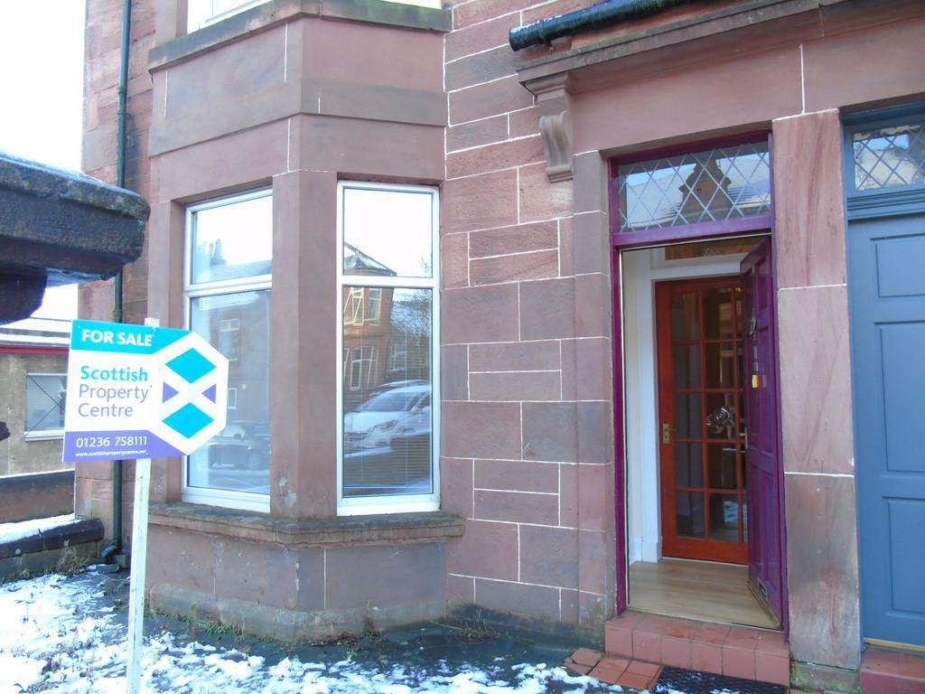 2 Bedrooms Ground Flat for sale in Wood Street, Blairhill, Coatbridge, North Lanarkshire