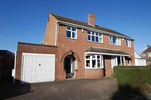 3 bedroom semi-detached house for sale - Bayswood Avenue, Boston