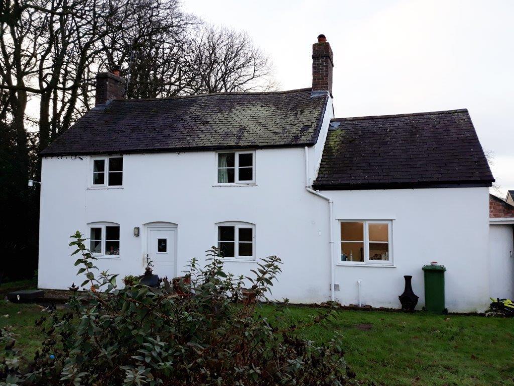 2 Bedrooms Detached House