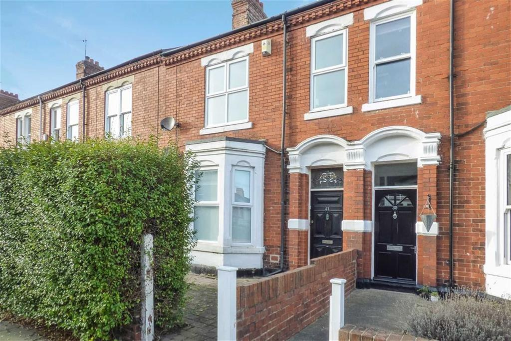 2 Bedrooms Flat for sale in Roxburgh Terrace, Whitley Bay