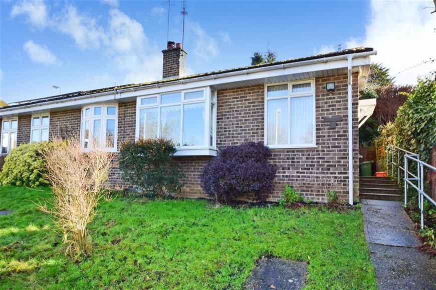 2 Bedrooms Semi Detached Bungalow for sale in Stansted Close, Billericay, Essex