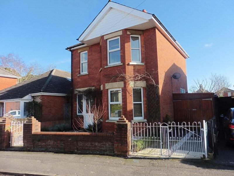 4 Bedrooms Detached House for sale in Endfield Road, Moordown, Bournemouth