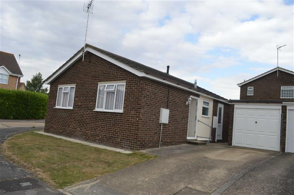 2 Bedrooms Detached Bungalow for sale in Princess Gardens, Rochford, Essex