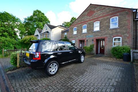 2 bedroom semi-detached house to rent - Aylesbury Road, Bromley