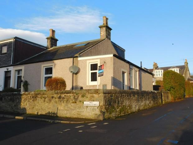 3 Bedrooms Semi Detached House for sale in Mid Beveridgewell, Dunfermline, KY12