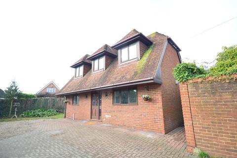 2 bedroom detached bungalow to rent - High Street Rainham ME8