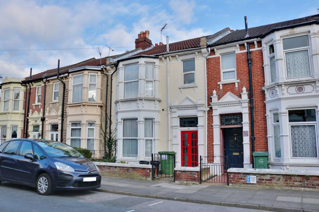 3 Bedrooms Terraced House for sale in Balfour Road, Portsmouth