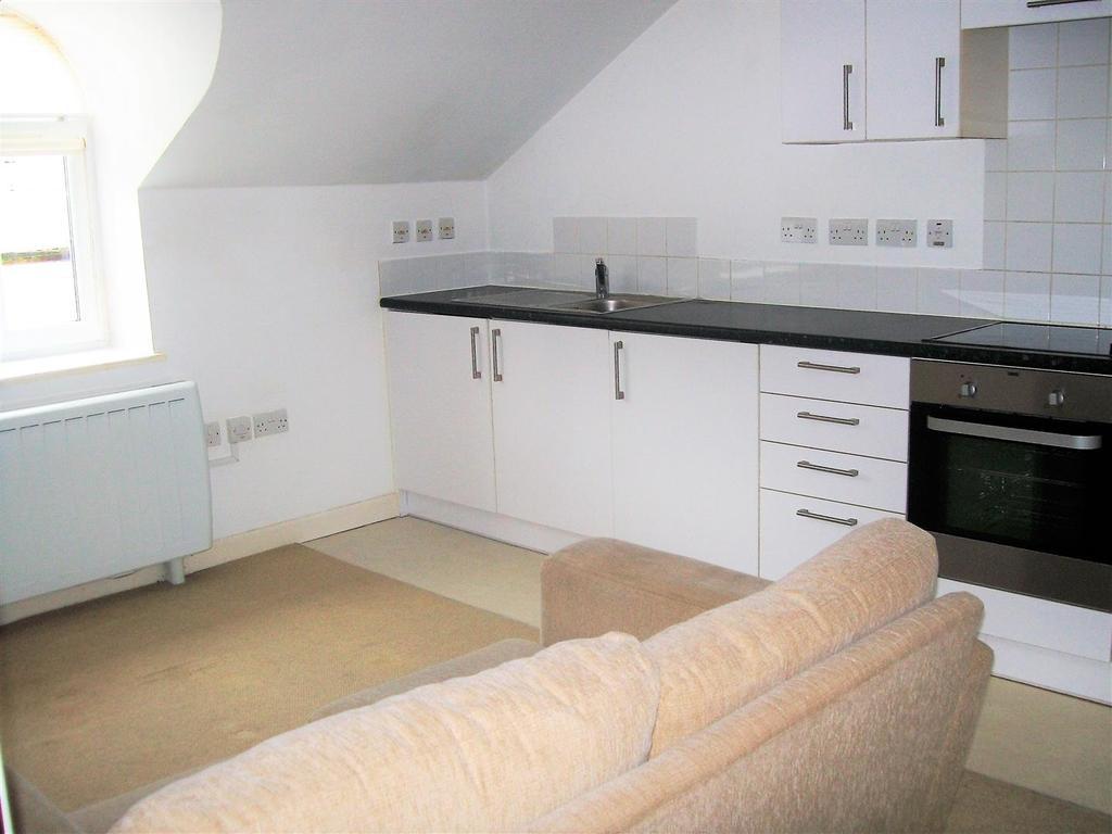 2 Bedrooms Apartment Flat for sale in Union Street, Aldershot