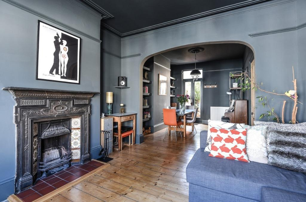 4 Bedrooms Terraced House for sale in Robertson Road Brighton East Sussex BN1