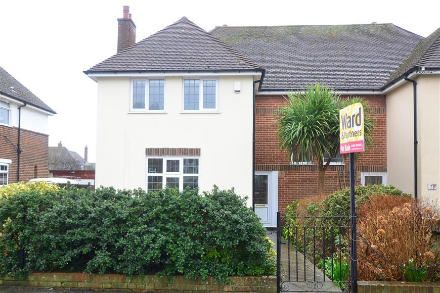 3 Bedrooms Semi Detached House for sale in Surrenden Road, Folkestone, Kent