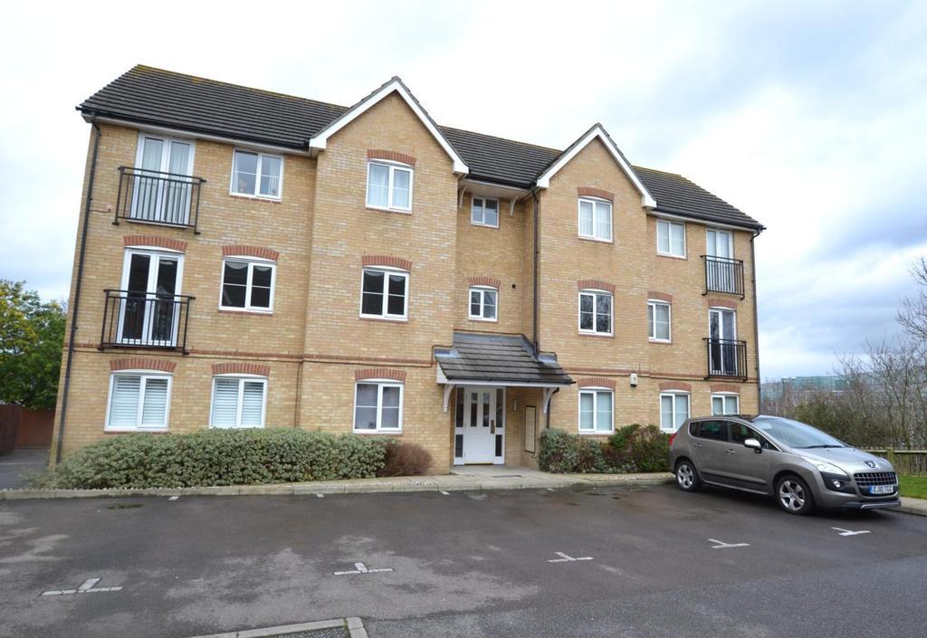 2 Bedrooms Apartment Flat for sale in Czarina Rise, Laindon, Basildon, Essex, SS15