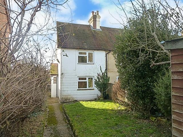 3 Bedrooms End Of Terrace House for sale in Borough Road, Petersfield, GU32