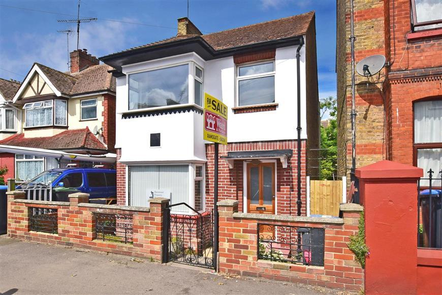 3 Bedrooms Detached House for sale in South Eastern Road, Ramsgate, Kent