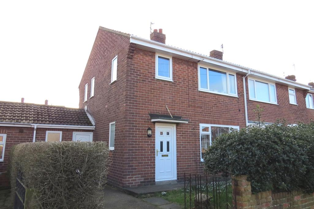 3 Bedrooms Semi Detached House for sale in Cleasewell Hill, Guidepost