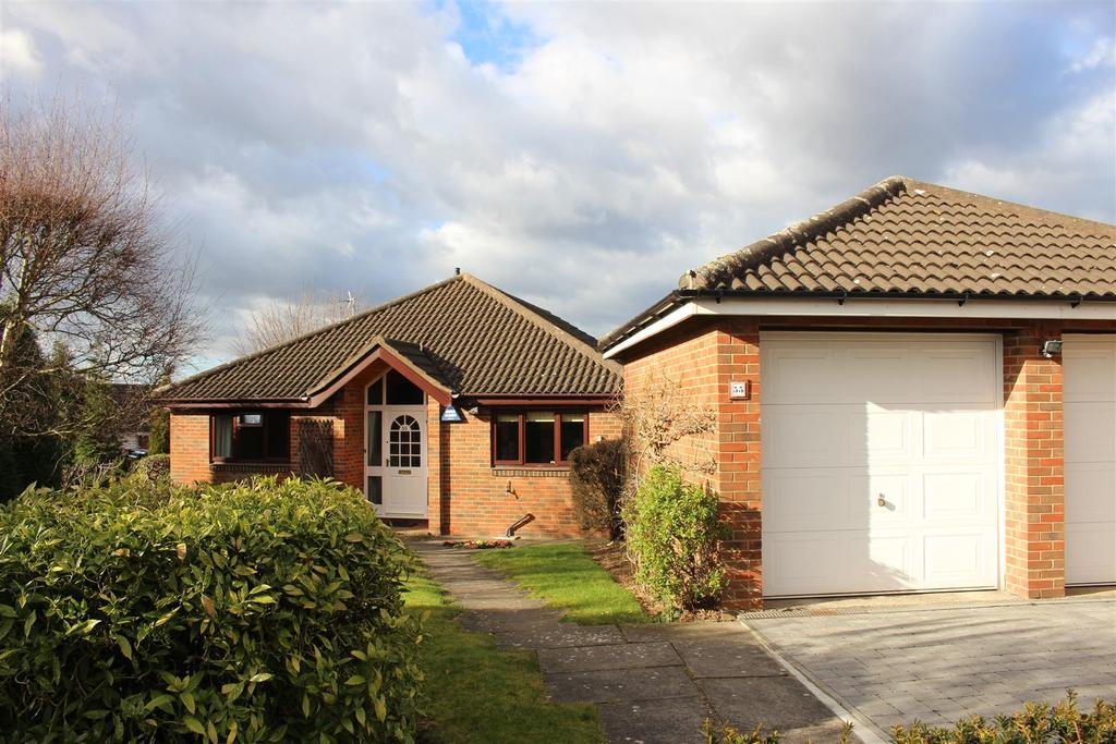 3 Bedrooms Detached Bungalow for sale in Broom Way, Narborough, Leicester