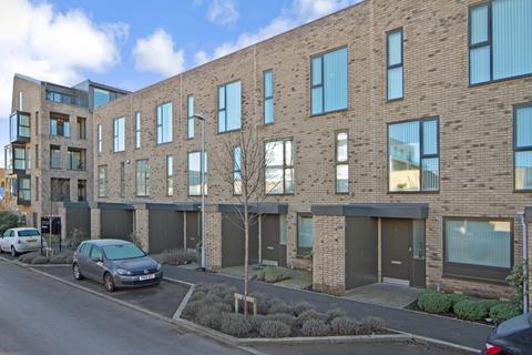 3 bedroom terraced house to rent - Clay Farm Drive, Trumpington, Cambridge, Cambridgeshire