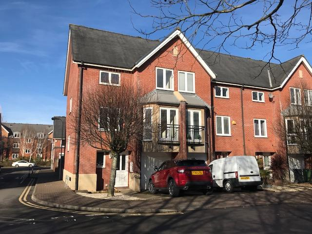 4 Bedrooms Apartment Flat for sale in Barquentine Place, Cardiff