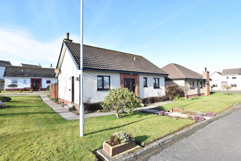 2 Bedrooms Detached Bungalow for sale in 14 Abbots Crescent, Doonfoot, KA7 4JR