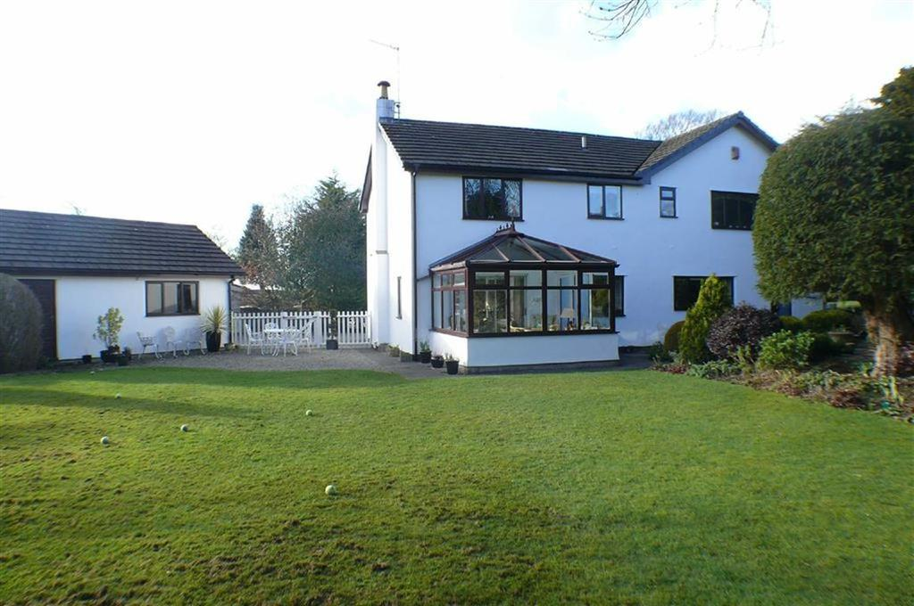 4 Bedrooms Detached House for sale in 25 Lindeth Rd, Silverdale