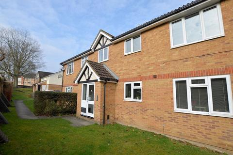 2 bedroom flat for sale - Groveland Place Reading