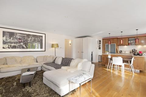 4 bedroom flat to rent - Cleveland Square, London