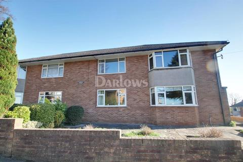 3 bedroom flat for sale - Hampton Court, Brandreth Road, Lakeside