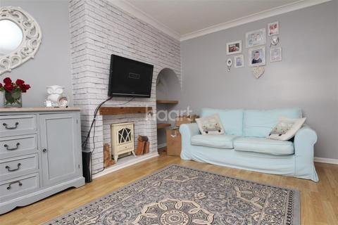 3 bedroom semi-detached house to rent - Maple Avenue