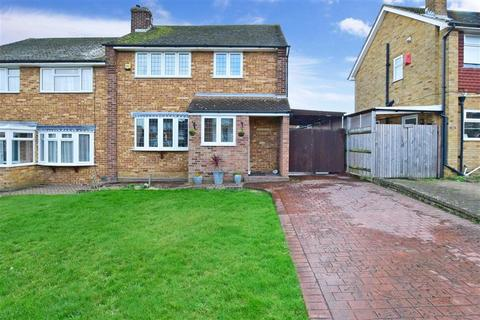 3 bedroom semi-detached house for sale - Taylor Road, Snodland, Kent