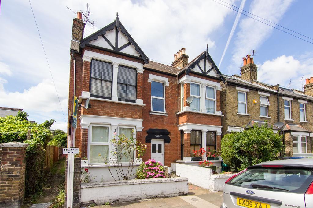 2 Bedrooms Flat for sale in Walnut Tree House, Junction Road, Brentford