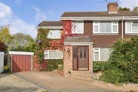 3 bedroom semi-detached house for sale - Biddenden Close, Bearsted, Maidstone, Kent