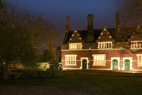 3 bedroom end of terrace house for sale - King William Iv Gardens London SE20