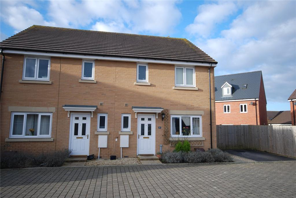 3 Bedrooms Semi Detached House for sale in Grouse Road, Old Sarum, Salisbury, Wiltshire, SP4