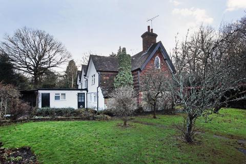 3 bedroom semi-detached house to rent - Cherry Tree Cottages, Godden Green, Sevenoaks, Kent