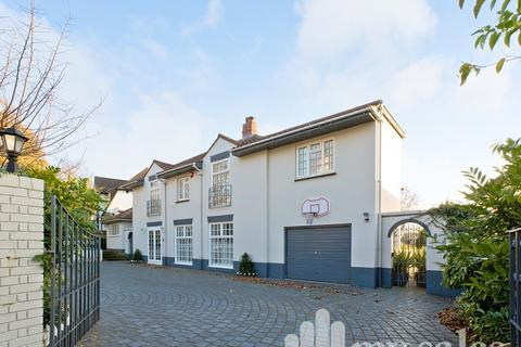 5 bedroom detached house for sale - Surrenden Crescent, Brighton, BN1